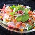 料理メニュー写真本日の鮮魚のカルパッチョ~世界一のオリーブオイルで~