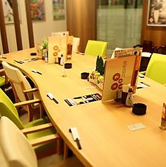 大型テーブル席(カウンター席として使用)