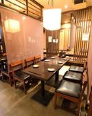 友人同士の飲み会にもご利用可能なテーブル席ございます。