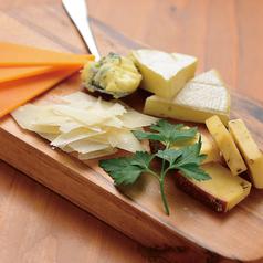本日のチーズ5種盛り合わせ