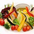 料理メニュー写真ナポリ最古のソースで味わう伊野菜のバーニャカウダ