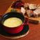 料理メニュー写真お肉に合う!ラクレットのチーズソース
