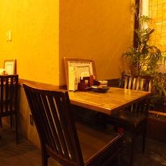 2名様用のテーブル席もご用意。