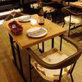 アンティーク調のテーブルが落ち着いた空間を演出します。お友達とのおしゃべりを楽しみたい時や、デートにもおススメ◎シーンに合わせてご利用頂けます◎ゆったりとお食事をお楽しみください★