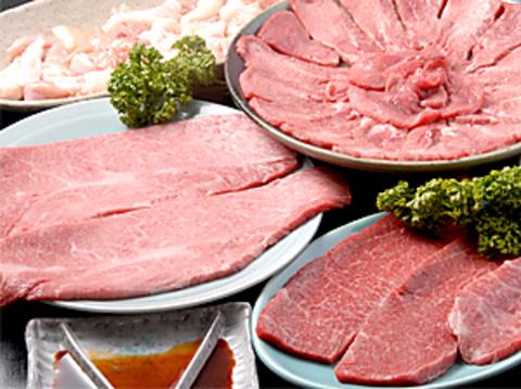 松阪牛一頭買いのこだわりの焼肉店。いろいろな美味しい部位を堪能できる。