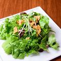 料理メニュー写真青ひげサラダ