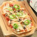 料理メニュー写真懐かしのピザ