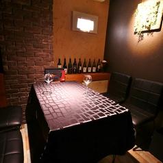 記念日・誕生日・接待・女子会・デート…プライベートな空間を演出する完全個室。ワイン片手に美食の数々をお楽しみいただけます。