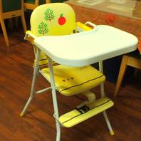 お子様用テーブル完備!