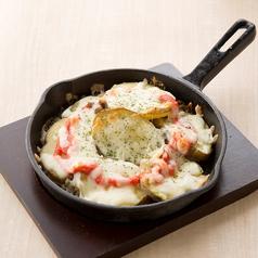 料理メニュー写真チーズ明太じゃがバター