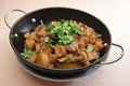 料理メニュー写真白菜の漬物と春雨、豚なんこつ鍋/干鍋牛肉