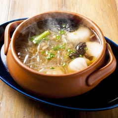 料理メニュー写真さっぱり餃子と春雨のスープ