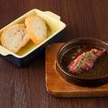 料理メニュー写真丸ごと明太子のアヒージョ
