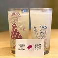 コマツのグラスは専属デザイナーの『世界のABEちゃん』のオリジナルデザイン!乾杯時も小さな感動もコマツは全力で演出します♪