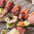 料理メニュー写真極上肉寿司プレート(8種10貫)