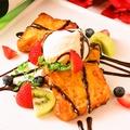 料理メニュー写真フレンチトーストのバニラアイス添え ~チョコソース~