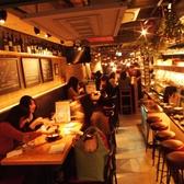 女子会、誕生日会、コンパなどゆったり飲みたい方には、テーブル席がおすすめ。宴会・パーティーは最大45名様迄OK!
