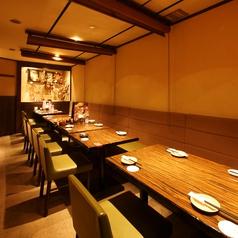 各テーブルをつなげて16名様まで対応可能です。各種宴会にもぴったり!飲み放題付宴会コースは3500円~♪