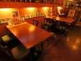 こちらのお席は人気のお席。デートにも3~4人の宴会にもOK!!
