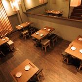 【テーブル席:2席×1】2名様用のお席はご友人とのお食事や、デートにオススメ★広々とした店内で快適にお過ごしいただけます。