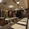 国内外で活躍する三重県四日市市在住の陶芸家 「内田鋼一」 がレストランの食器の制作&コーディネートを担当しております。