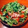 料理メニュー写真蒸し鶏とパクチーのサラダ