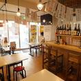 大阪下町のような雰囲気の店内。2次会や3次会の利用も人気です