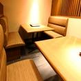 人気のテーブル席はグループ同士でご利用ください。
