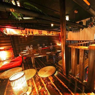 サプライズ居酒屋 南国食堂 ヤシの樹の雰囲気1