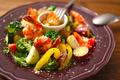 料理メニュー写真エビとゴロゴロ野菜のバーニャカウダー