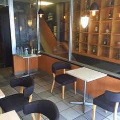 【2F】テーブル席は人数によって移動することが可能です
