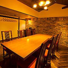 扉付きの完全個室なのでプライベート空間を満喫して頂けます2名様~8名様でご利用可能。