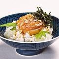 料理メニュー写真鯛茶漬け<オススメ海鮮丼6種>