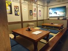 大型スクリーンが付いた小上がり席を貸し切りにして、仲間と思い出のDVDを見たり、PCとつないでZ00Mで繋がったり、使い方色々楽しめる♪
