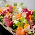 料理メニュー写真海鮮7種サラダ