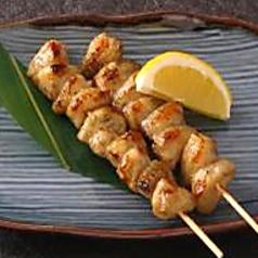 料理メニュー写真ぼんじり(2本)塩・タレ