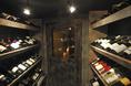 ワインや梅酒・果実酒などを常備している自慢の酒蔵。内覧もOKです!