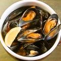 料理メニュー写真山盛りムール貝の白ワイン蒸し