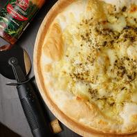 自家製PIZZA!チーズたっぷり焼き立てをご提供♪