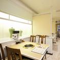 【2F店内テーブル席】2名様から利用可能宴会で使いやすい4名掛けのお席となっております。