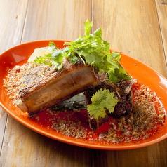 料理メニュー写真豚スペアリブのグリル ガーリックスパイス