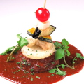 料理メニュー写真STEREO特製ハンバーグ デミグラスソース 野菜と共に