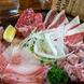 食べ放題コースはお肉の盛り合わせをお持ちします。