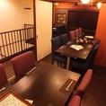 個室にもなる2階席。最大24名まで利用可。18名以上で貸切OK