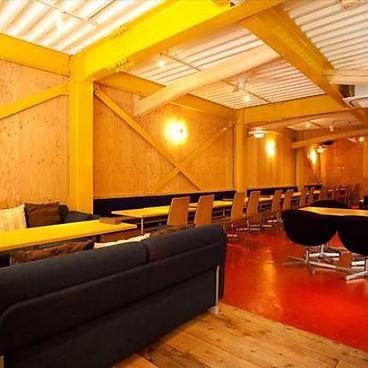 イタリアン hermit green cafe 高槻店の雰囲気1