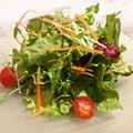 料理メニュー写真朝採り野菜のシンプルなサラダ