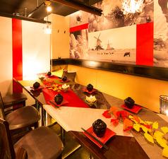 居心地の良い優しい雰囲気と共にお客様だけの愉しい一時をお過ごしください。