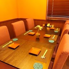2階5~6名席。グループでの飲み会やご家族の集まりにもオススメです