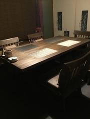 テーブル席個室