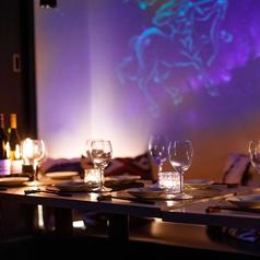 ≪貸切宴会・パーティも承ります!≫2名~最大100名様までご案内可能です!新宿の夜景が一望できる開放的な空間で、素敵な時間をお過ごしください。大型宴会や同窓会、誕生日パーティー、結婚式の二次会などにご利用いただけます。ご人数・ご予算等お気軽にお電話にてご相談下さい!